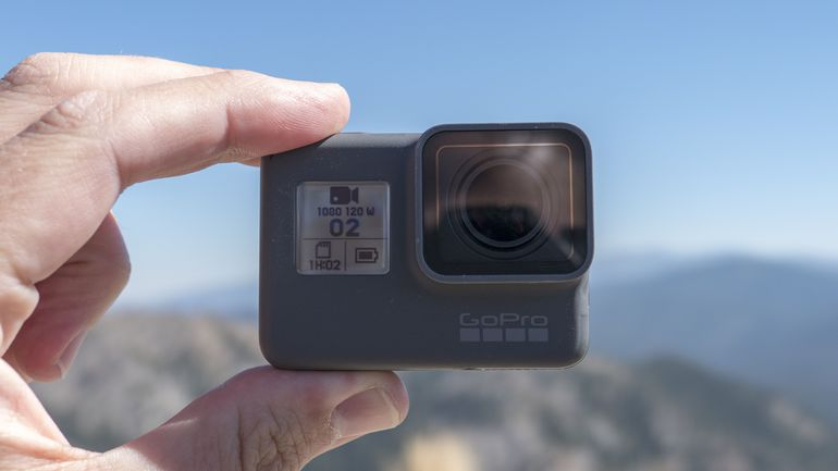 The 12 Best Vlogging Cameras [2019] by Omnicore